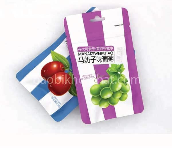 Túi zip đựng thực phẩm có lỗ treo, bo góc